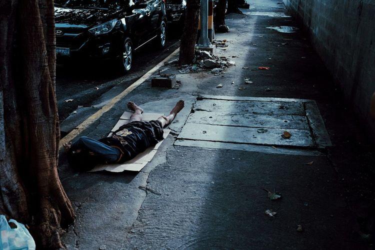 God is good. Street Life EverydayStreet Myeverydaystreet Streetlife Street Photography Urban Streetphotography Eyeem Philippines EyeemPhilippines Createyourhype EyeEm Best Shots Createexploreandtakeover Createexploretakeover Showcase: November Urbanphotography Picturing Individuality What We Revolt Against Manila, Philippines