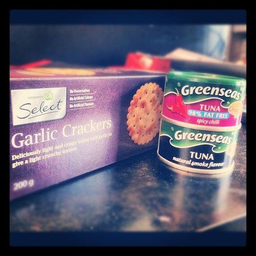 Today's Lunch ! Tuna Garliccrackers Spicychilli naturalsmoke yum healthy hungry