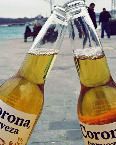 Hanging Out Enjoying Life Hi! Corona Beer Sea Friends Sunday