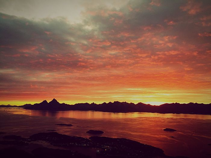Sunset Sunset_collection Sunsets Nature Nature_collection Nature Photography Nature On Your Doorstep Norgeibilder Norge Norgesperle Norges_fotografer Lofoten Lofoten Norway Lofotveggen Skrova Skrovafjellet
