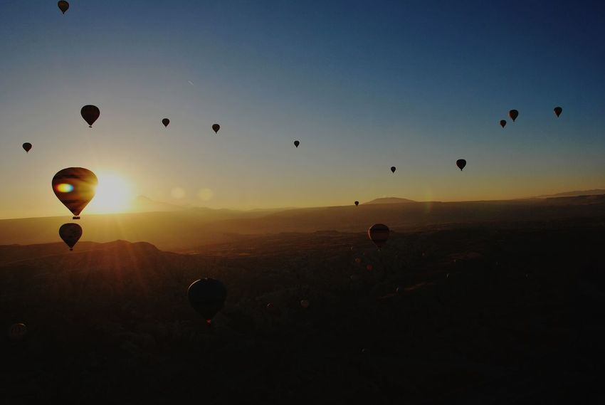 Hot Air Balloon Flying Morning Travel Travel Destinations Trip Photo Traveling Travelphotography Trip Turkey Balloons Capadoccia Kapadokya