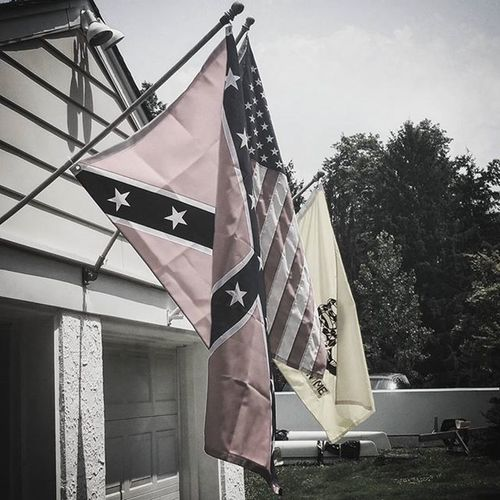 These colors are all slowly fading USA Heritagenothate HistoryLesson History Confederate Tolerance Knowledge Fading Worried Iftheycantakeone Whatsnext Proud Learnfromthepast Godblesstheusa Pennsylvania