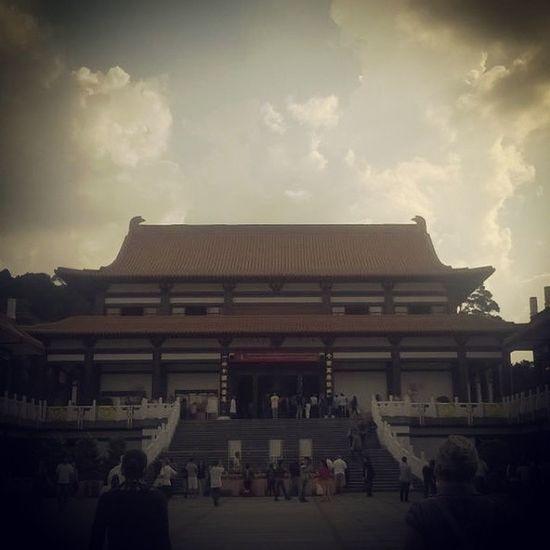 ✌ ? ? Templozulai Templo Budista Vesak wesak wesakday comemoração Buda saudadedaquelemantra nãoachoemlugarnenhum