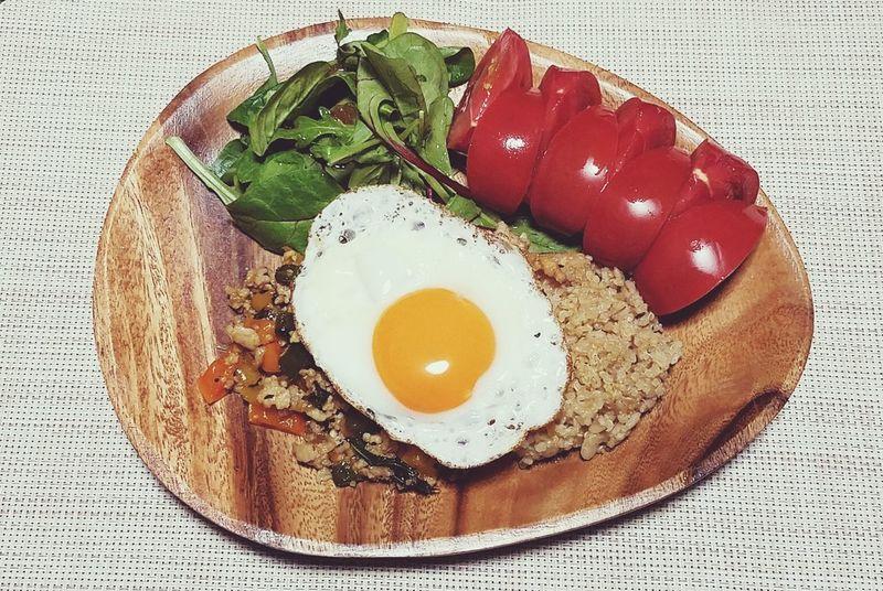 夜ご飯2017.04.18 Food Comidas Egg Tomato Tomate Leaf Plate ผัดใบกระเพราไก่สับ Gapao Rice Huevo