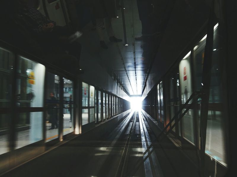 China Photos On The Move Shuttle Train Airport Darkness And Light In The Terminal Light And Shadow Fresh Scent Vanishing Point Streamzoofamily