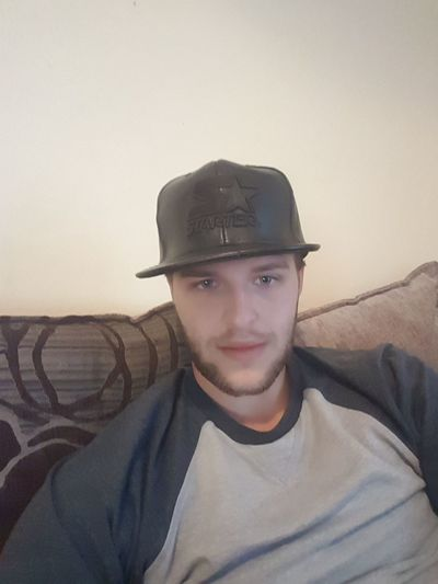 Portrait Young Adult Hat Adult Flat Cap Beautiful Selfie ✌ Me Front View ThatsMe Young Man Thats Me  One Person Personal Perspective Sexyselfie