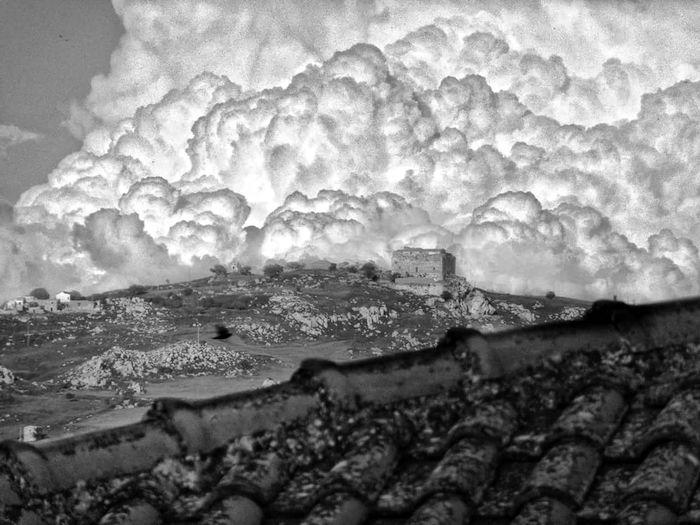 Alminsaar Storm Cloud Castle Tower Racalmuto Mountain Sky Architecture Built Structure Ancient Civilization Historic Ancient