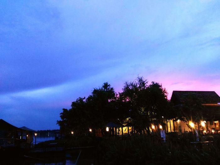 Blue sky,pink.