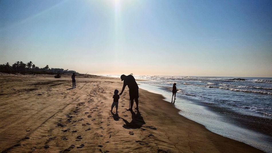 Michoacan, México Puesta De Sol Nature Photography Mar Oceano Nubes Y Cielo Skyblue Photonature  Arena Playas Sol Phone Photography Villa Dorada Viaje Arena Y Sol Sun Palmas