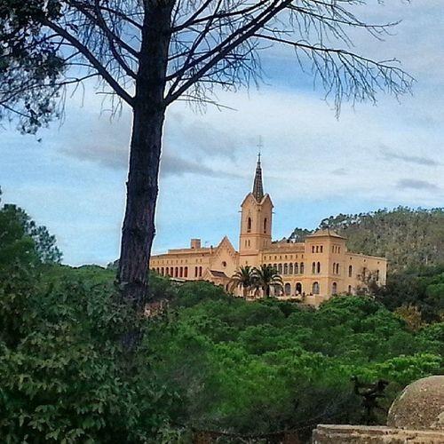 Després de caminar 1,30h ja estem arribant a Sant Pere Llocsbonics Raconsgironins Raconsbonics Raconsqueenamoren