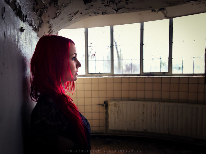 Red Abandoned Places Portrait Of A Woman Redhead Woman Woman Power Womens Portraiture Abandoned Adult Beauty First Eyeem Photo Girl Girls Hair Looking Away One Person Portrait Red Hair Window Woman Of EyeEm Woman Portrait Womanportrait Women Women Of EyeEm Women Portraits Young Women EyeEmNewHere