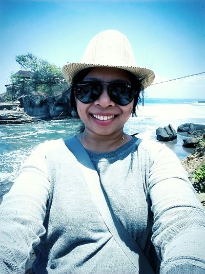 Self Portrait Around The World whatever they see..they say about me,does'nt matter..i remain with my style for selfie.. Iamindonesian NaturalBeauty Me And Mystyle Tanahlot, Bali, Indonesia Takephoto SamsungGalaxyS5 Samsung Galaxy Camera Smartphonephotography Mysmartphonelife