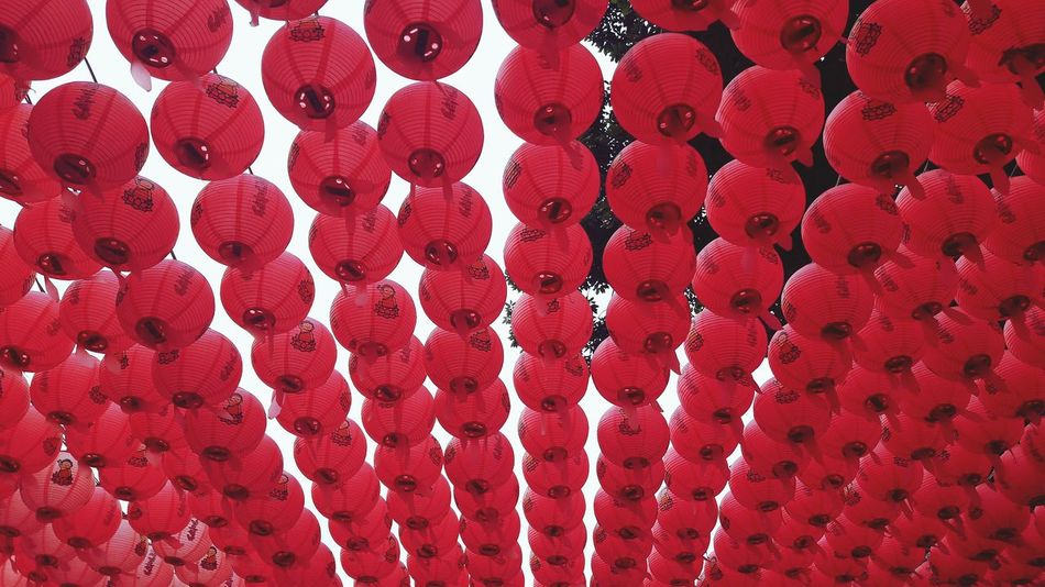 99 Red Baloons Red Decorations Religion Buddhism Buddhism Culture Buddhist Temple Red Faith Spirituality Spirit Seoul South Korea Bongeunsa Temple Travel Destinations One Color Monocolor Travel In Asia Asian Culture Paper Lantern Papercraft See The World Through My Eyes Exploring New Ground Tranquil Scene Tranquility Neon Life