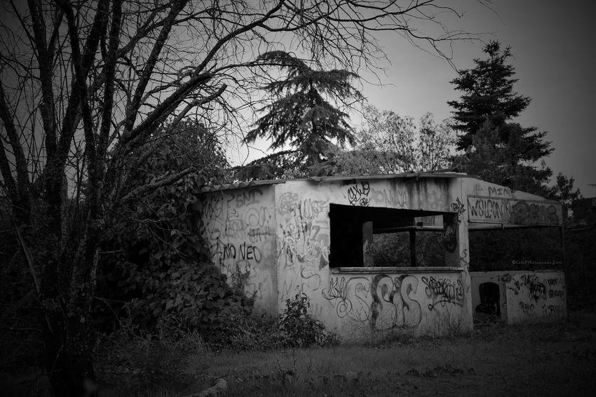 Bnw_friday_eyeemchallenge Abandoned Dwellings Black And White Eye For Details