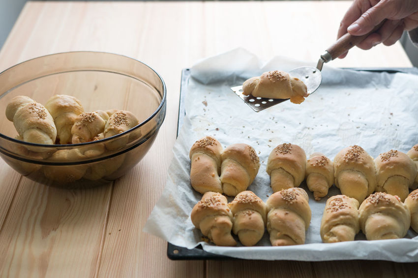 Bread Roll Cooking Croissants Homemade Roll Baked Bakery Bread Croissant Delicius Dough Food Food Photography Freshness Holding Human Body Part Human Hand Lifestyles Preparation  Ready-to-eat Recipe Rolls Sesame Tasty Temptation