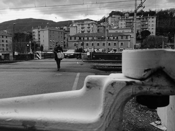 Street PhotographyThe Street Photographer - 2014 EyeEm Awards Black & White Gente People Monochrome