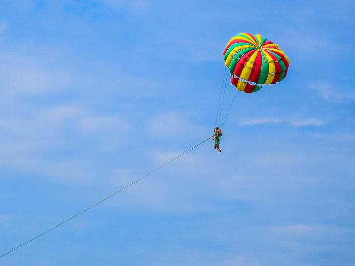 Parachute Hot