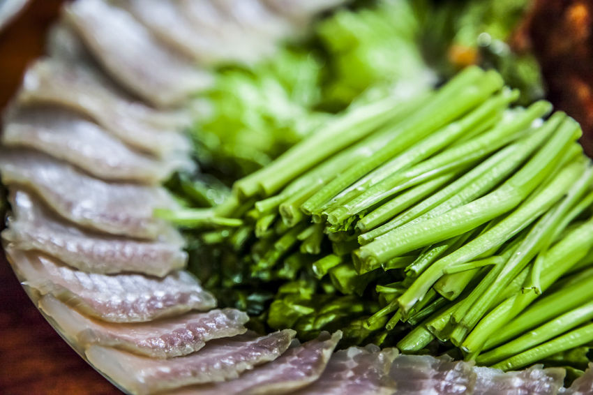 Backgrounds Close Up Close-up Detail Fermented Skate Food Food And Drink Freshness Full Frame Green Color Healthy Eating Healthy Lifestyle Indulgence Leaf No People Organic Preparation  Selective Focus Steamed Pork Still Life Temptation Vegetable Water Parsley