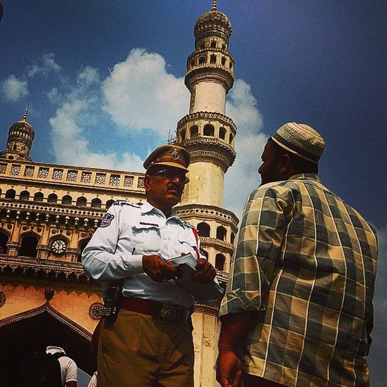 Cop factor Charminar Hyderabad Day Cop CATCHES Auto Driver After He Reaches Our Car And Success To  Earn 300 Rupees Hyderabad Police What To  Say