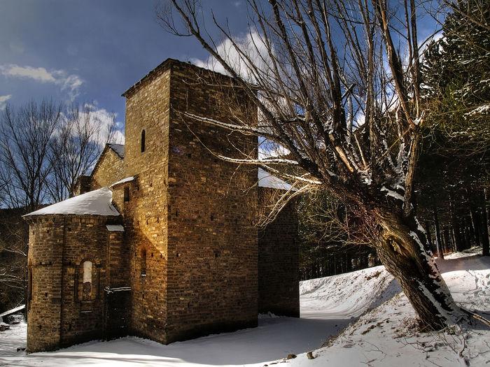 Santa Maria de Iguacel S.XI (Aragón Spain) Romanico Romanic Architecture Romanic Church Aragón Huescalamagia Huesca Altoaragon