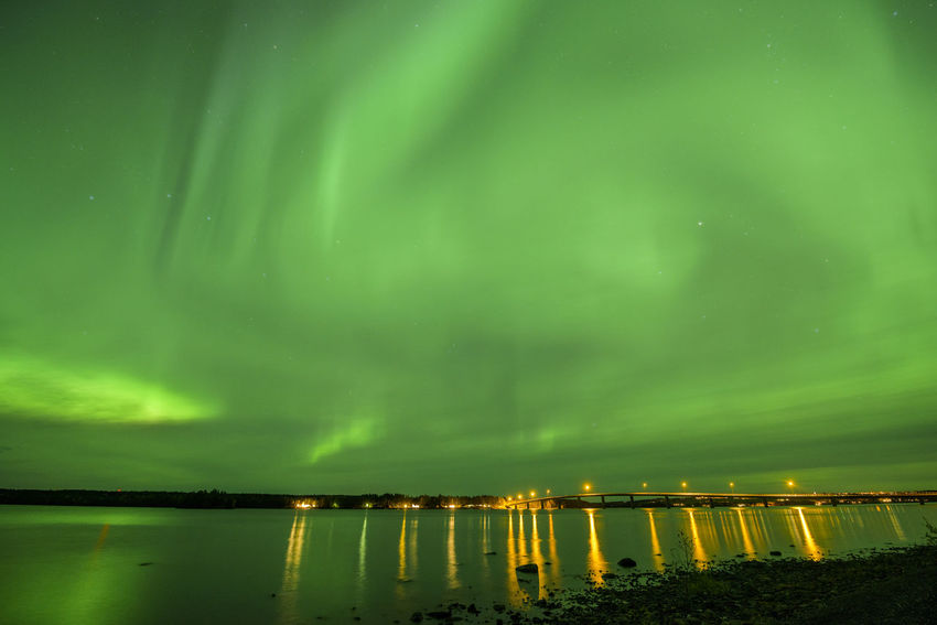 Bridge Aurora Polaris Aurora Borealis Aurora Borealis Aurora Auroraborealis Aurora Chasing Northern Lights Water Illuminated Astronomy Lake Star - Space Reflection Sky Green Color Aurora Polaris Natural Phenomenon Space And Astronomy