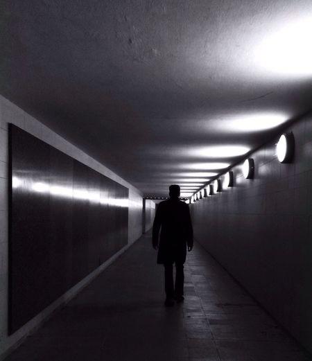 NEM Underground Berlin Streetphoto_bw Blackandwhite