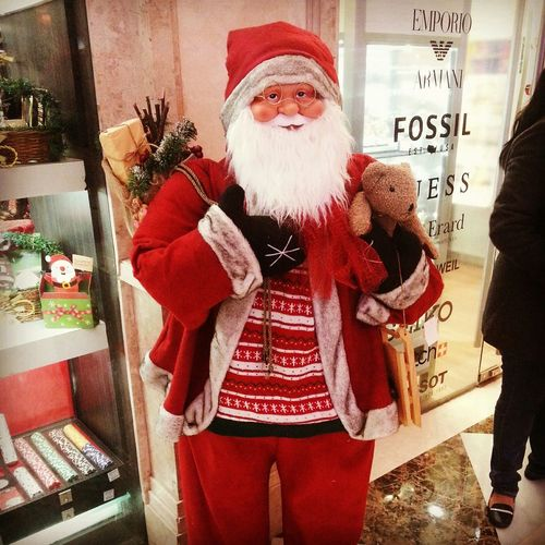 This thing, the essence of my nightmare, a life size doll of Santa Clause Santaclaus Christmas Decorations Christmas Doll Colours Mall Decoration Santaclause Santaclausisstillcreepy