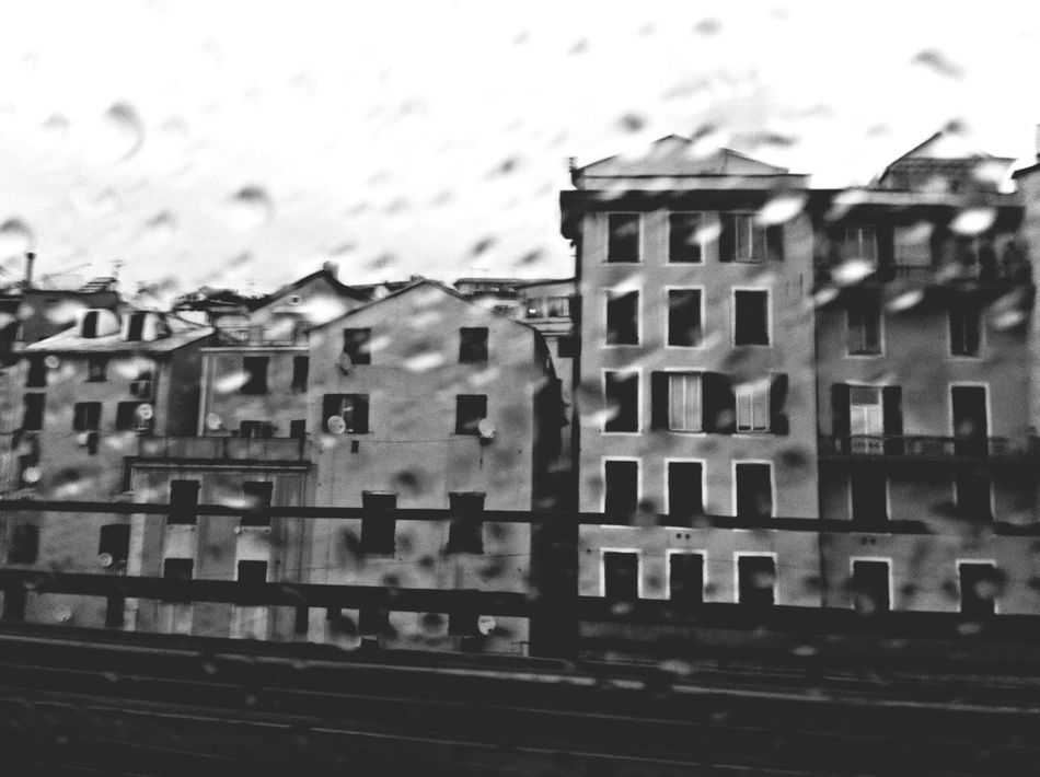 Rain. Blackandwhite Instatagapp_instagood_iphonesia_photooftheday_instamood_igers_instagramhub_picoftheday_instadaily_bestoftheday_igdaily_webstagram_instagramers_statigram_igaddict_blackandwhite_iphoneartists_iphoneonly_jj_forum_iphonography_instagrammers_instaaddict_ Genova Hanging Out