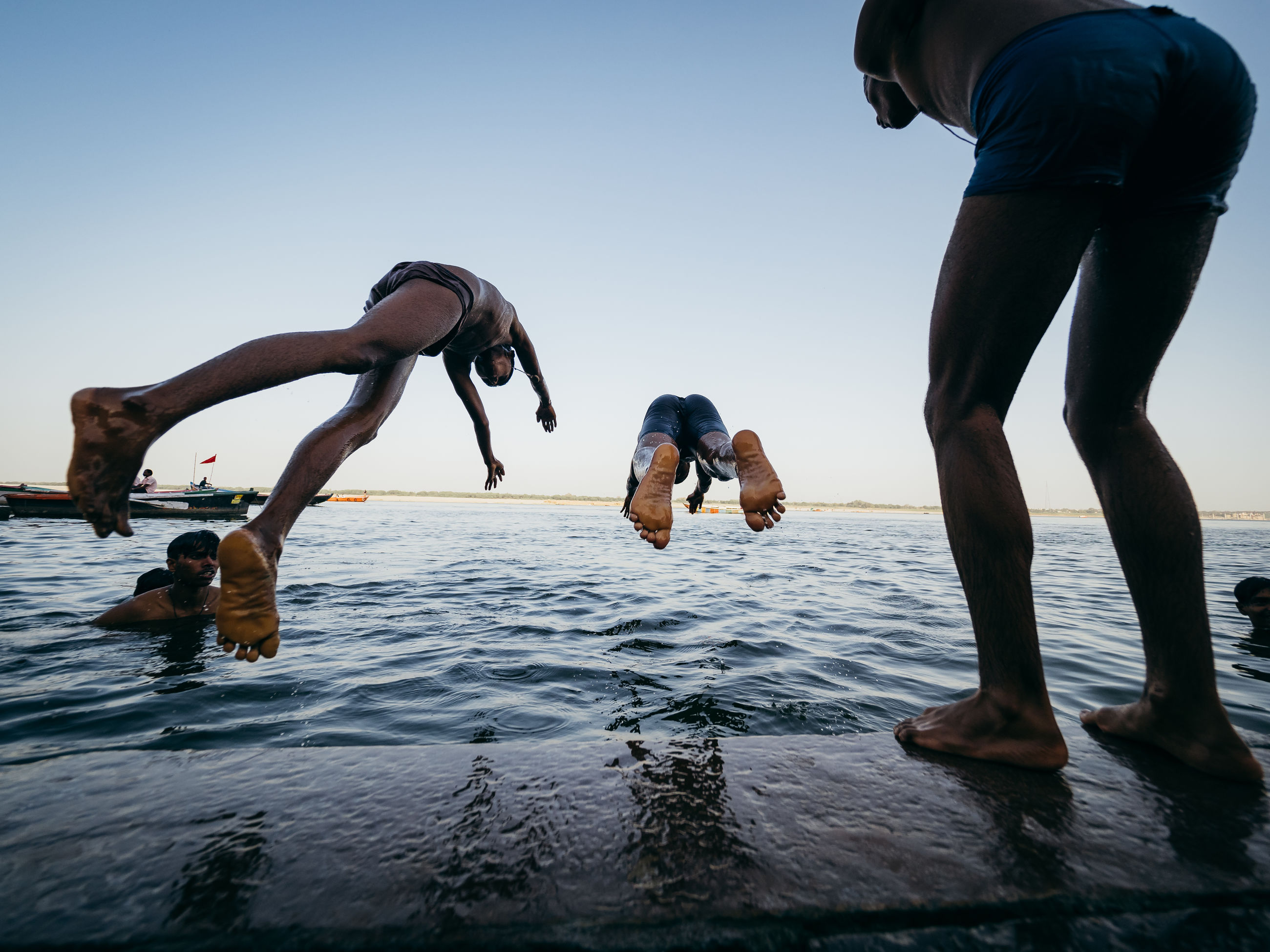 water, sky, sea, real people, nature, men, lifestyles, body part, leisure activity, human body part, low section, human leg, clear sky, day, people, vertebrate, waterfront, outdoors