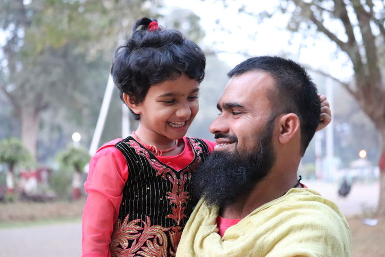The happy faces 😃 Fatherdaughter Love ♥ Smile EyeEm Ready   Togetherness Love Happiness Mid Adult Smiling Father Bonding Cheerful Enjoyment People Fun AI Now EyeEmNewHere