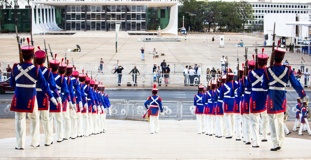 📸: Daniel Nery -- 🌎: Brasília / 🇧🇷 -- 🗓: 2017 -- People Military Uniform Day Arts Culture And Entertainment Anonymous Government Building Government Governo Militar Military Guarda Performance Only Men Military Band Adult Tradition Brasília Brazil