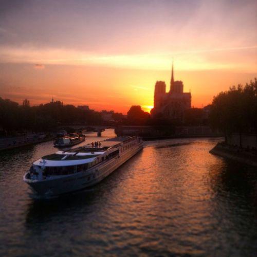 ❤️??❤️ Enjoying The Sun Paris ❤ Paris Enjoying Life