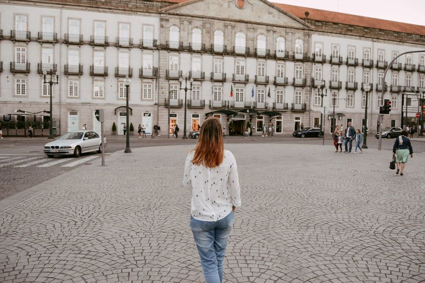 Walking Travel Women Who Inspire You Architecture Building Exterior Built Structure Casual Clothing Day Leisure Activity Lifestyles One Person Outdoors People Real People Rear View Walking Women Women Around The World Stories From The City