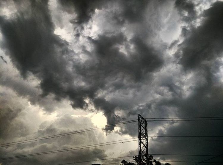 Darkness in clouds looks amazing. Photography Instagram Instagood Instalike Instapic Doubletap India Indian Bestnatureshot Lightning Clouds Thunderstorm Darkclouds Blackandwhite Blacknwhite Thunder Nature Beautifulnature Naturephotography Photographyislifee Darkcloud Cloudlovers ☁ Sky Darksky skyscape Mi4 mi4photography xiaomimi4