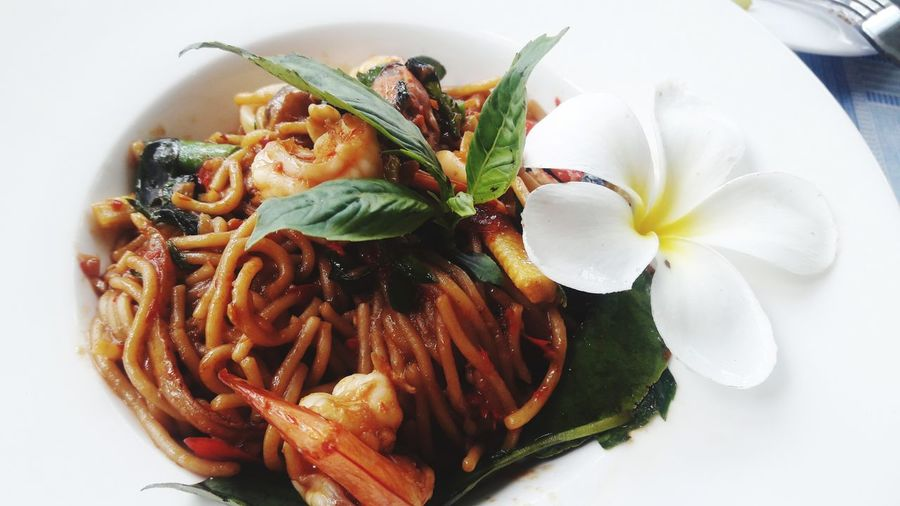 spaghetti EyeEm Selects Italian Food Gourmet Plate Table Close-up Food And Drink Spaghetti Basil Food State Unhealthy Lifestyle