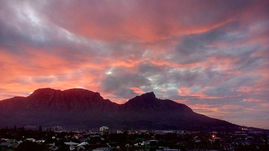 Breathtaking View Mountain Sunset Dramatic Sky Sky Landscape Cloud - Sky Mountain Peak Romantic Sky