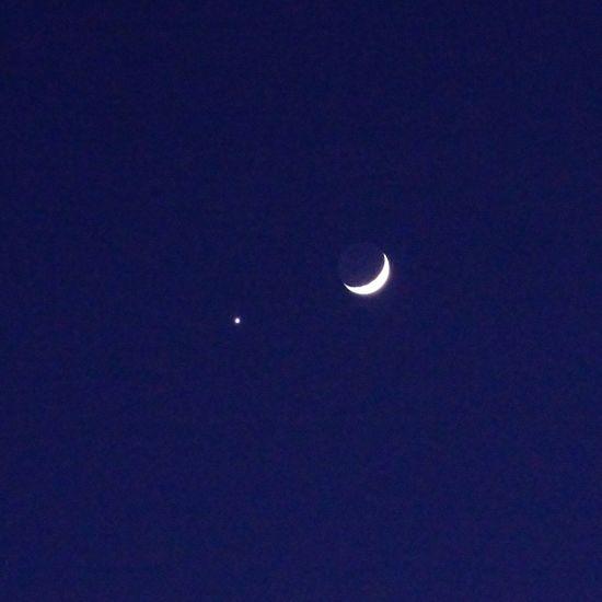 月 Moon 月_e_miray 地球照 Earthshine Crescent Moon Venus 金星 1月2日の月