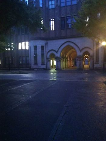 静寂 歴史的建造物 夕暮れ 静寂 Night Illuminated Architecture Built Structure Building Exterior City No People