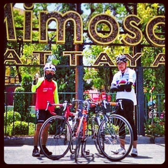 กับผู้พันต้อม ด้วยจรรยาบรรณจึงไม่สามารถเปิดเผยใบหน้าได้ Cycling Pattaya Mimosa Jomtian sattahip chonburi thailand friend bicycle bike roadbike