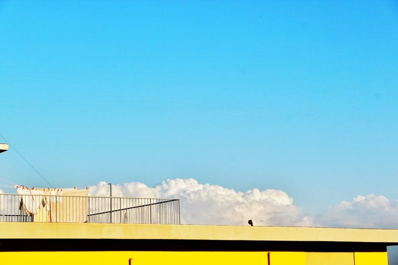 Yellow Lue Sky Cloud NICECLOUD Yellowbuilding Building Sky Taking Photos Check This Out Enjoying Life Canon Canonphotography Eyem Best Edits Eyemphotography Eyem Best Shots Eyem Gallery