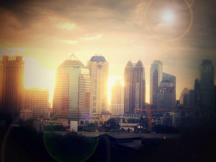 Jakarta di waktu sore