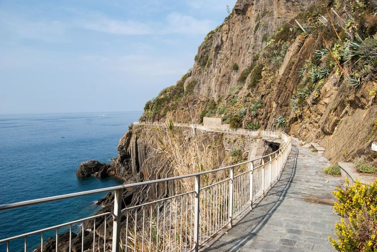 Via d'Amore, Cinque Terre, Italy Cinque Terre The Way Of Love Via D'Amore Beauty In Nature Day Hiking Trail Horizon Over Water Nature No People Outdoors Railing Scenics Sea Sky Tranquil Scene Tranquility Water