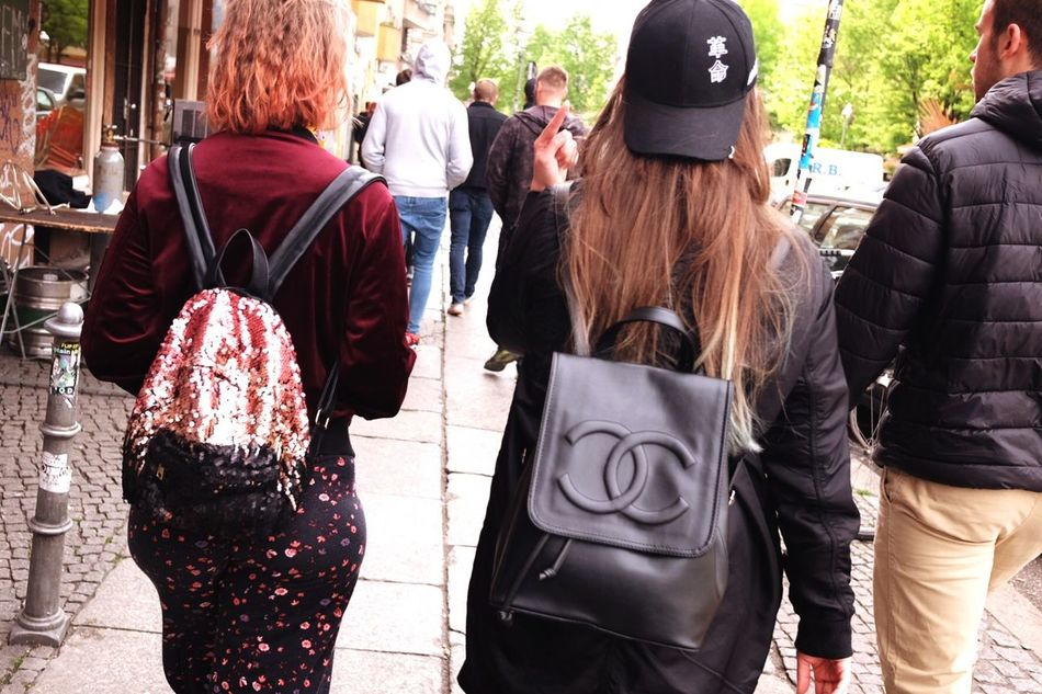 Girlgang. Chanel Style Fashion Fashion Photography Fashion Hair Streetphotography Street Photography Street Kreuzberg Berlin Berlin Photography Berliner Ansichten Street Fashion Mayfest Outdoors Girl Girls Women Woman