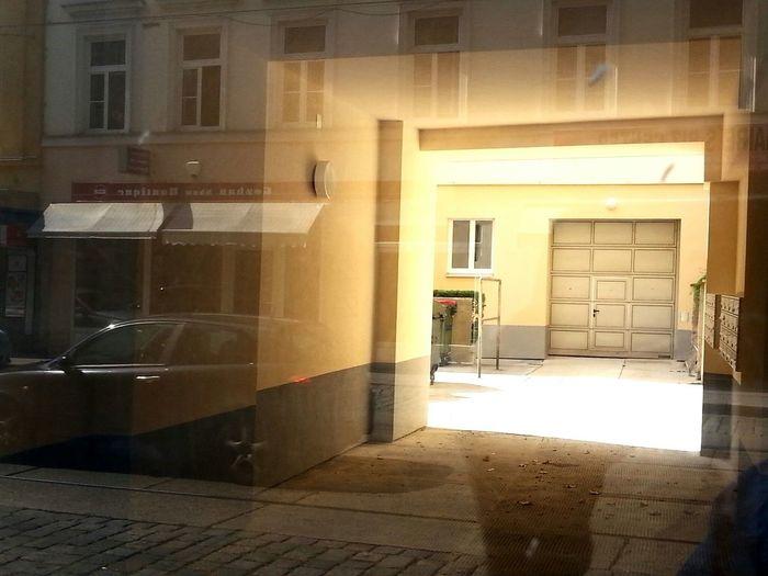 Haus Eingang Neulerchenfelderstrasse in Wien New Reality Wien Haus Hauseingang Austria YMO Ymoart Ottakring