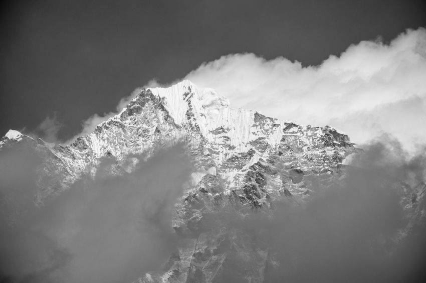 Trekking Nepal Lost In The Landscape Beauty In Nature Bw Mountain Nature Outdoors Power In Nature Scenics Sky Tranquility