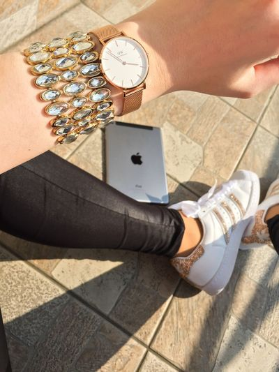 Relax day Jewelry Clothes Gold Great Life Enjoying Life Stylish Followers Likes Danielwellington Apple Photography Bestoftheday Happy Fashion Human Body Part Wristwatch Human Hand Low Section Real People One Person Human Leg Watch Women Bracelet Sunlight Lifestyles first eyeem photo