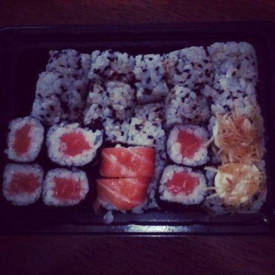 Alguem Quer Sushi Comida food instagordo instacomida