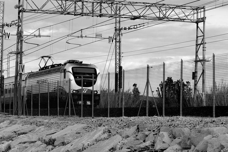 È il lavoro dell'artista creare tramonti quando non ce ne sono. • Romain Rolland Good Morning Railway Locomotive Industrial Landscapes Eye4photography  Eyeembestbw B&w Street Photography Showcase: December