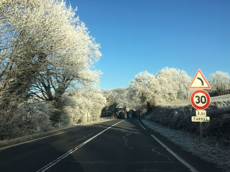 Road Road Sign Winter Wonderland Frozen Belowzero France