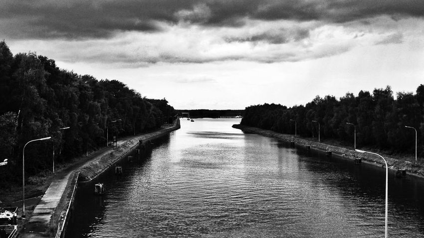 A storm is coming ! Monochrome Landscape EyeEm Nature Lover Black & White